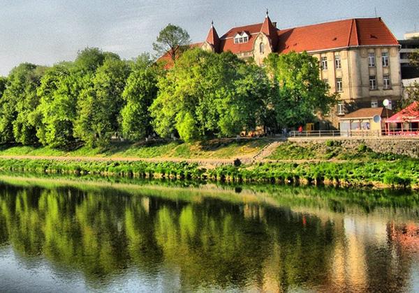 Пішохідна екскурсія по Ужгороду: Ужгород - древній град